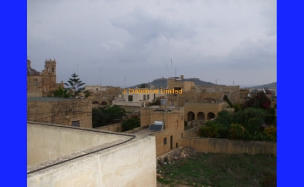 Gharb Town House For Long Let