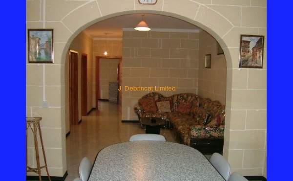 Victoria Apartment For Long Let